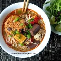 Bun Rieu  - Crab tomato Noodle Soup